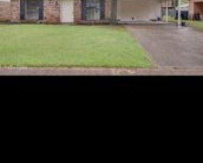 922 N Lakewood Dr #1, Shreveport, LA 71107 3 Bedroom Apartment
