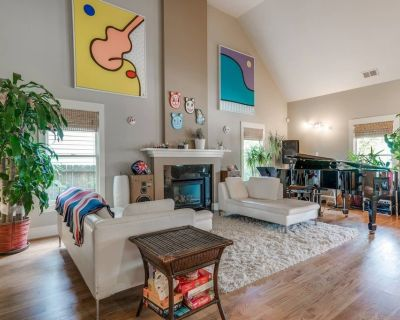 Best of Cabbagetown 3 bed, 2 bath w/grand piano, hot tub, putting green! - Cabbagetown