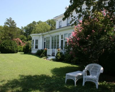Eastover Manor House on the James- 1800's Plantation Home - Spring Grove