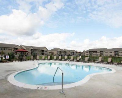 Takeover Lease - Luxury Williamsville Apartment - 3b/2b