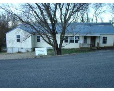 1.0 Bath Foreclosure Property in Dandridge, TN 37725 - Chestnut Hill School Rd