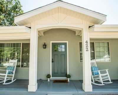 17th Street Cottage--Vintage Cottage with Updated Amenities - Paso Robles