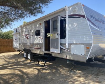 RV living in a small ranch town. - Lake Los Angeles