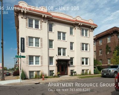 Great 1Bed/1Bath in Uptown!