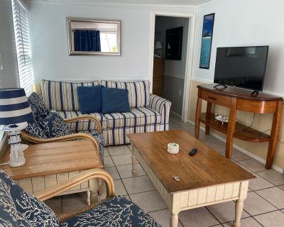 FL Keys Cabin with Ocean Views, in a Gated Community w/Pool, Boat Ramp, & Tennis - Cudjoe Key