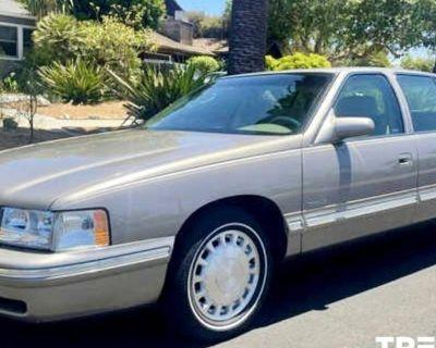 1999 Cadillac DeVille Standard