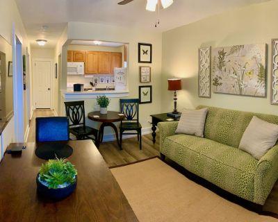 Comfortable & Clean 2-Bedroom Apt in Midtown - Mobile