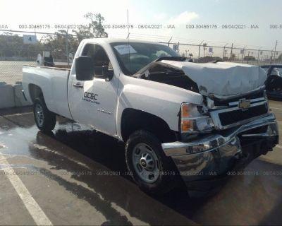 Salvage White 2014 Chevrolet Silverado 2500hd