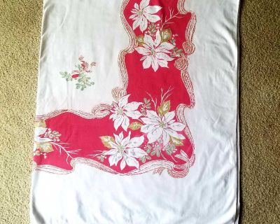 Vintage table cloth 60x72. Has minor boo-boo on one corer