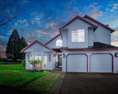 Just Southeast of Portland, Fenced Backyard, Fire Pit, Ping Pong, 15 Miles to Downtown, Greenspace - Clackamas