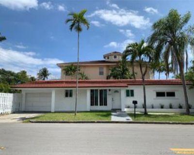 1059 Washington St, Hollywood, FL 33019 2 Bedroom House