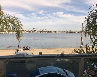 Waterfront Belmont Shores Studio w/large deck & view of the bay! Beaches open! - Belmont Shore