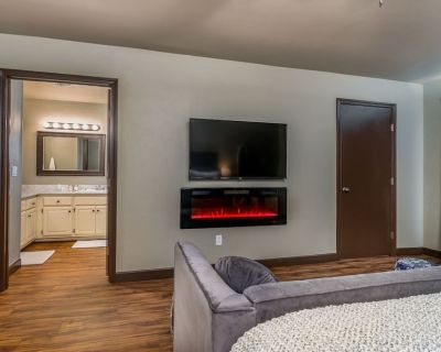 Charming Townhome - Suite 1 - Travel Nurse Ready - Amarillo