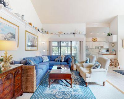 Sea Villa oceanblock house w/ grill and optional access to Sea Colony amenities - Bethany Beach