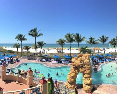 BEACH FRONT Apt w/ 3 Pools, Grill, Parking and Gym - Fort Myers Beach