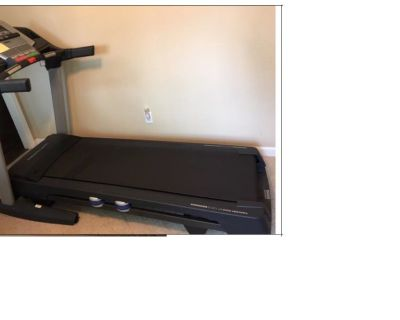 PRO FORM Treadmill EXCELLENT CONDITION