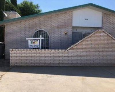 2918 E Glen Dr, El Paso, TX 79936 3 Bedroom Apartment