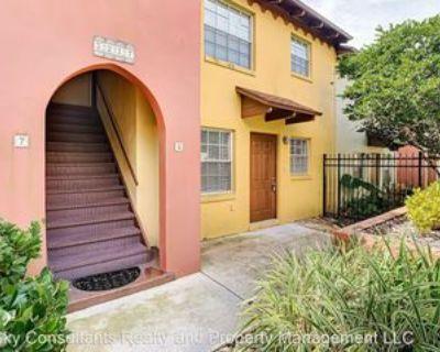 1517 Catherine St #5, Orlando, FL 32801 1 Bedroom Apartment