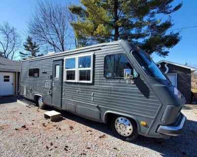 30' Fleetwood RV Mobile Kitchen Conversion Food and Coffee Truck with Restroom
