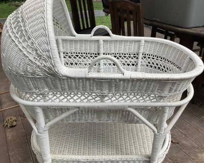 White Wicker Bassinet with Stand. On Wheels.