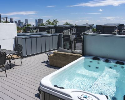 Luxe - Private Rooftop/Hot tub/Fire pit, Walk Downtown - Highland