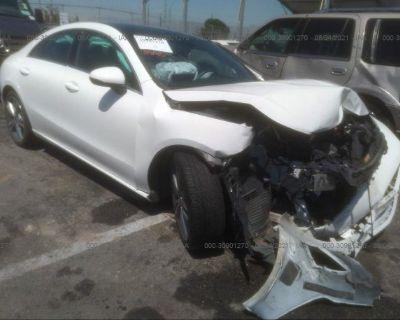 Salvage White 2020 Mercedes-benz Cla
