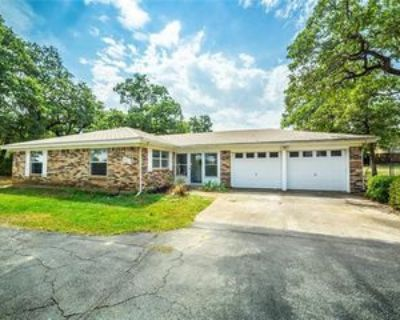 213 Wicker Hill Rd, Burleson, TX 76028 3 Bedroom Apartment