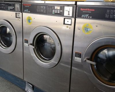 Coin Operated Speed Queen Commercial Front Load Washer SC50EC 3PH 50 Lb Reconditioned