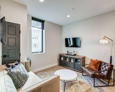 UTICA | 2 Bedroom 1 Bath with Full Kitchen - Berkeley