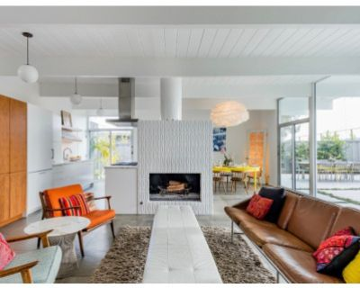 Bright Mid-Century Home with Period Furnishings, San Mateo, CA
