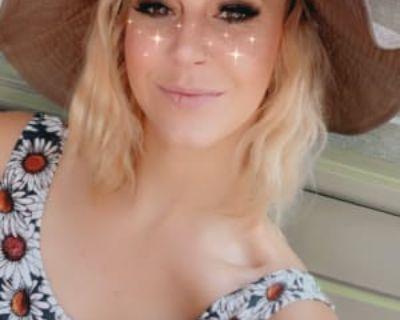 Kelsey, 30 years, Female - Looking in: Denver CO