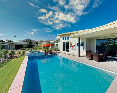 Private Pool Paradise | Glamorous Design, Gourmet Kitchen & Firepit Table - Indian Wells