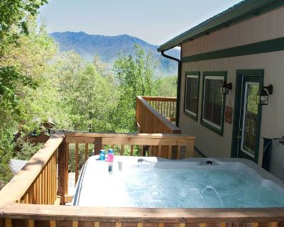 Great Cabin, Great Rates, Great Location, Great Views of the Great Smoky Mtns. - Chalet Village