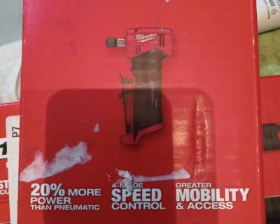 Milwaukee 1/4 right angle die grinder &Milwaukee oscalating multi tool