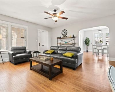 Lillie's Pad -Midtown Ground Floor 2 bed Condo w/ WIFI - Hulu, HBOMAX & Peacock - Hannon Park