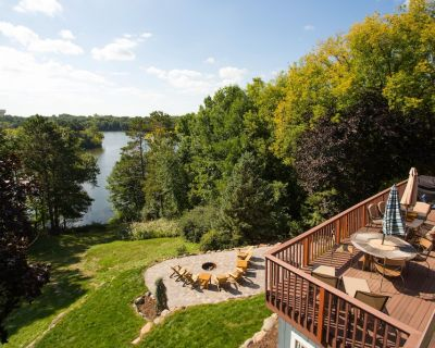 Modern Lake Home with Hot Tub and Fire Pit - Inver Grove Heights