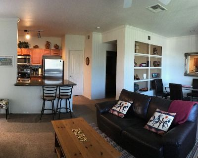 Vacation Spot! Poolside, Newer Furnishings, Championship Golf - Foothills