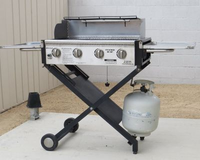 Collapsible and Portable Gas BBQ