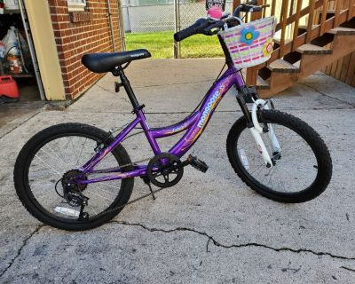 Girls mongoose Bicycle