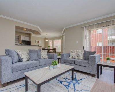 Spacious/LUXE 2BED/2BATH-*KING BED*- Med Center - Astrodome