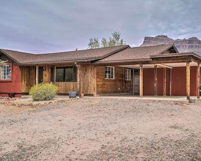 NEW! Apache Junction Escape w/ Hot Tub & Mtn Views - Apache Junction