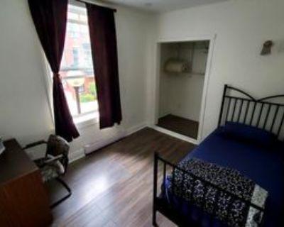 3560 Rue Hochelaga #3, Montr al, QC H1W 1H7 4 Bedroom Apartment