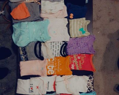 48 to 50 baby girl nd some baby boy clothes