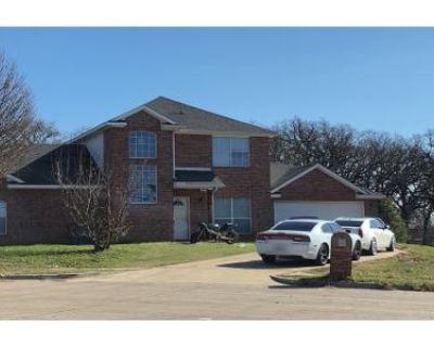 3 Bed 2.5 Bath Preforeclosure Property in Irving, TX 75061 - W Pioneer Dr