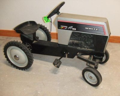 *** CHILDRENS PEDAL TRACTORS ***