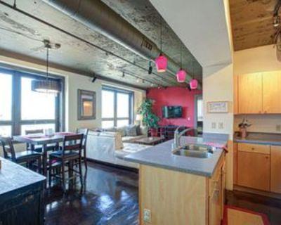 323 West Broadway #902, Louisville, KY 40202 2 Bedroom Condo
