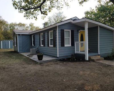 8711 Ronnie St, White Settlement, TX 76108