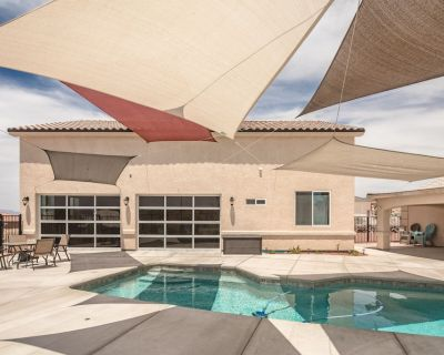 PRIVATE SWIMMING POOL + CASITA , (3457) 2760 SF, 4BD/3BA sleeps 10 - Sunridge Estates