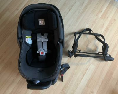 Primo Viaggo 4-35 Infant Car Seat with base and stroller adaptor