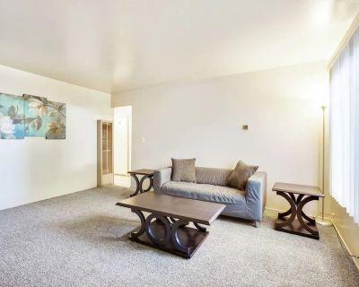 Private Modern Retreat Minutes to Downtown MV! - Mountain View